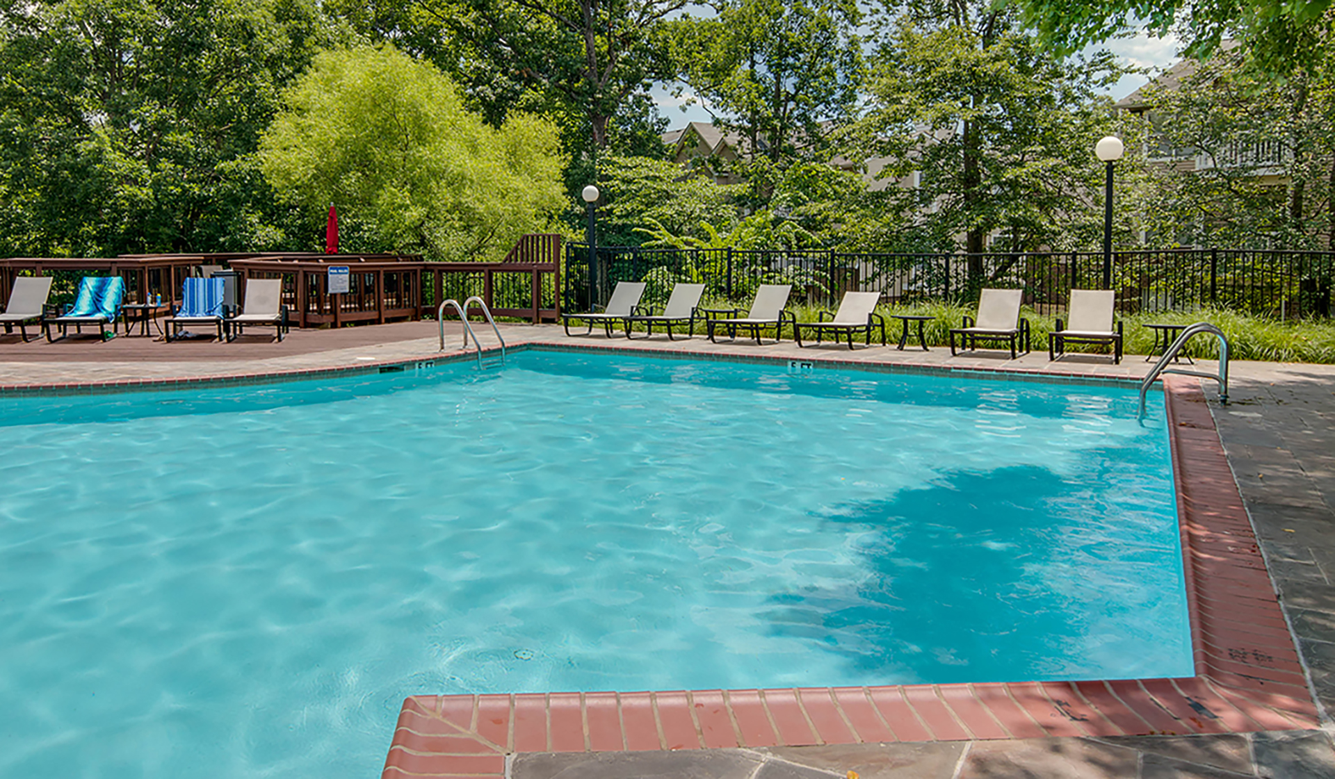 Bent Tree Apts - Centreville - pool
